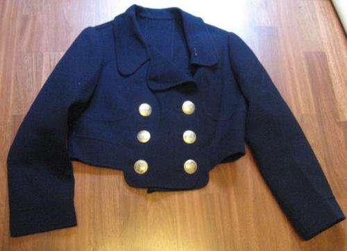 Vestido y chaqueta azul marino