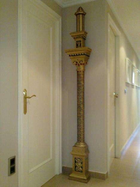 Estilo neogotico siglo xix, columna de madera.