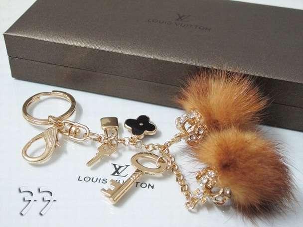 pulseras y collares elegantes