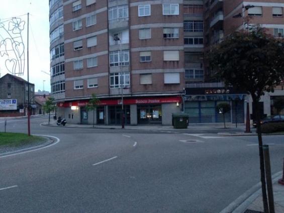 Excelente local en esquina avenida portanet con castrelos