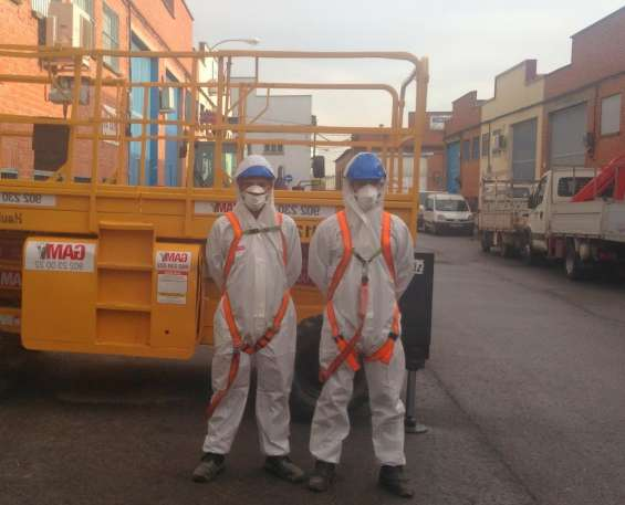 Eliminación del fibrocemento por el peligro del amianto que contienen las antiguas uralita
