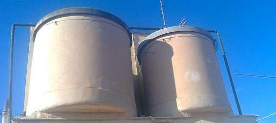 Retirar depósitos, bidones, recipientes o tanques fabricados con uralita, si tiene la duda