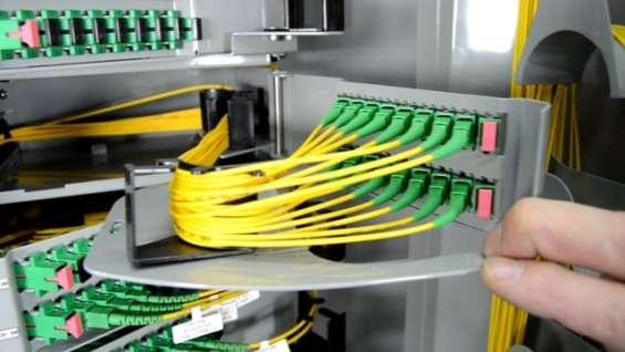 Técnico de fibra óptica (189)