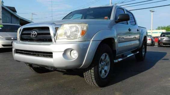 2005 toyota tacoma available and still clean call or text