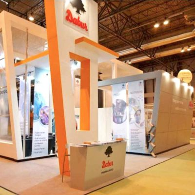 Double sales lead with custom stand builders for mwc